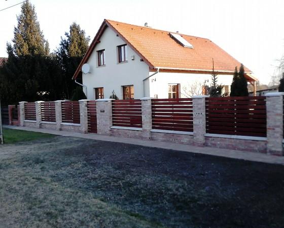 Családi ház – Baracs